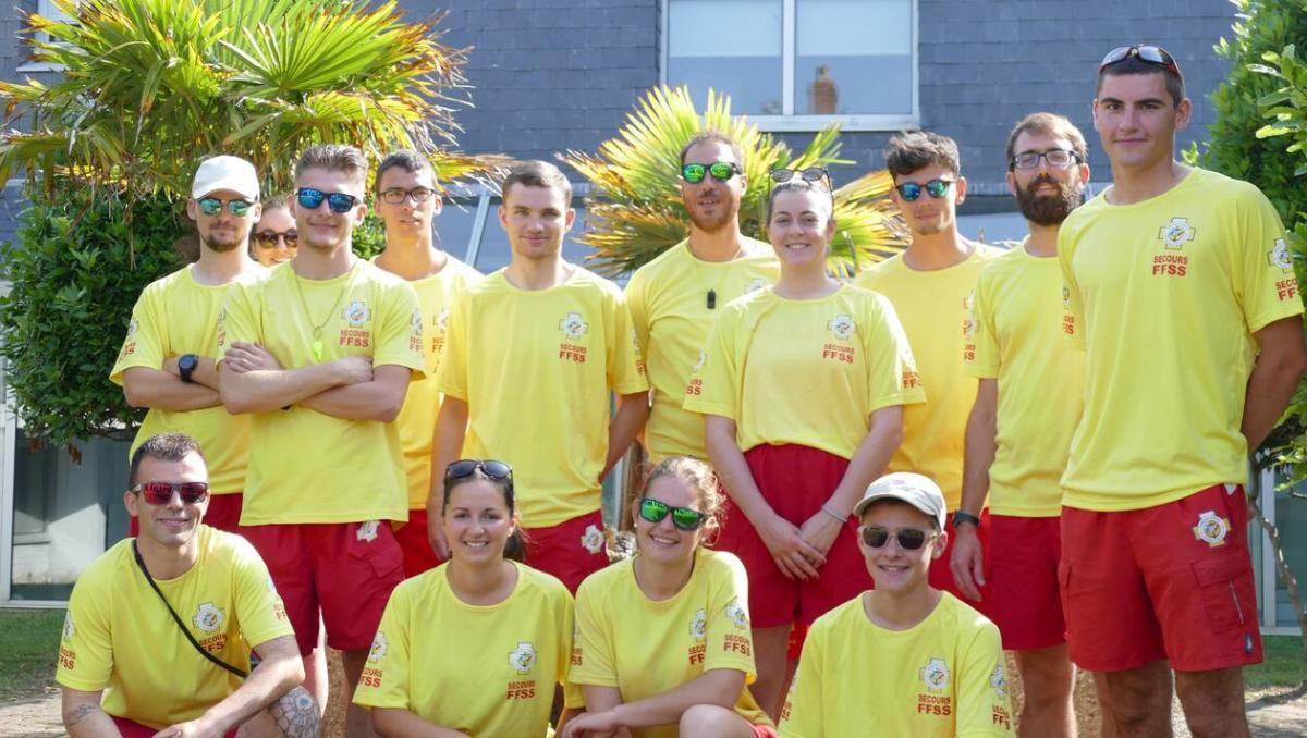 La turballe seize nageurs sauveteurs securisent les plages 2019