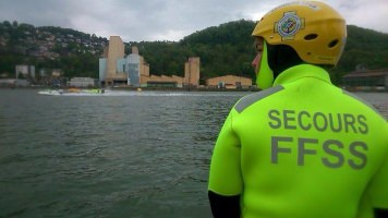 Sauveteur en surveillance